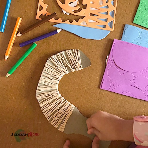 working on janbiya craft