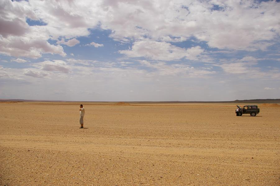 Drobna awaria w drodze na Gobi
