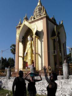 Budda, co się gapi w cztery świata strony