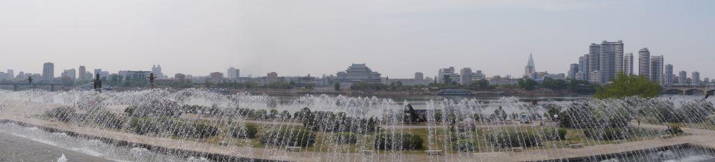 Pjongjang - widok spod Wieży Dżucze