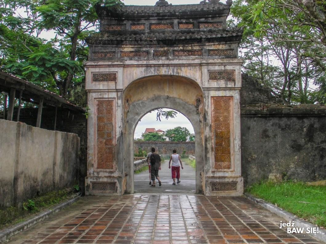 Hue - wejście do Zakazanego miasta