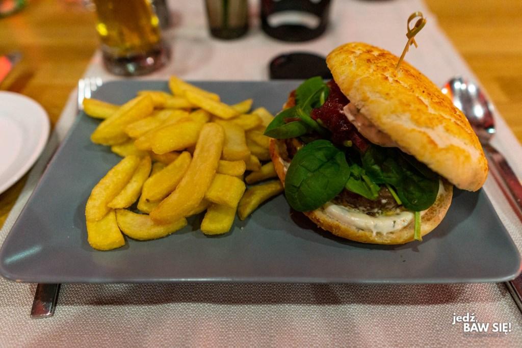 Restauracja Werft - burger z jeleniny