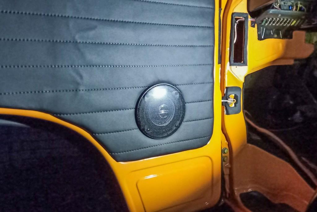 Głośniki VW T3 - oryginalne mocowanie
