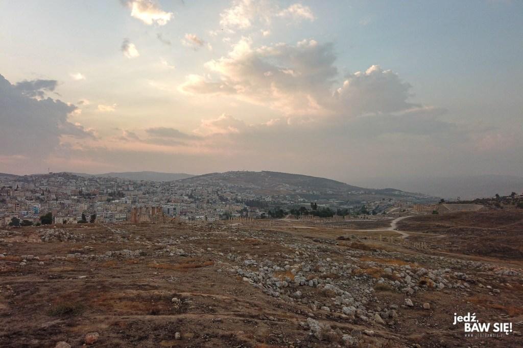 Alternatywny widok na Dżarasz