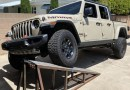 2020 Jeep Gladiator Mojave Suspension Flex Test | AutoBlog