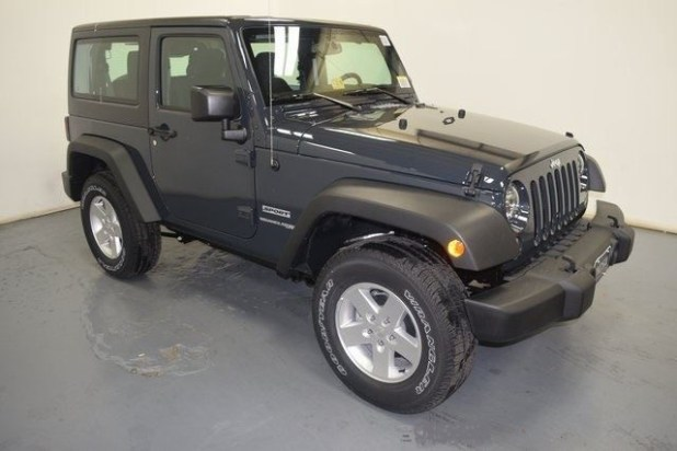 2018 Jeep Wrangler JK front view