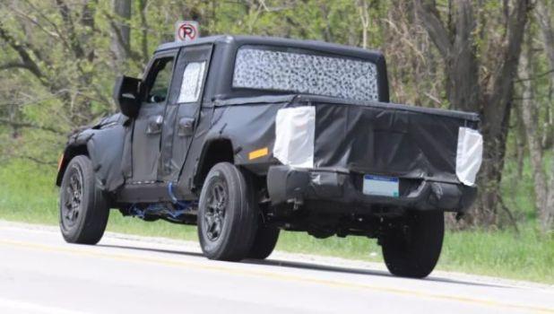 2018 Jeep Wrangler Pickup rear