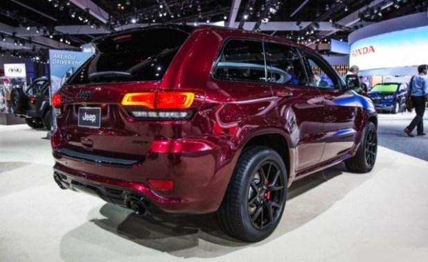 2019 Jeep Grand Cherokee rear view