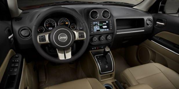 2019 Jeep Patriot interior