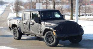 2019 Jeep Scrambler front