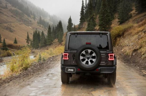 2019 Jeep Wrangler side view