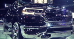 2019 Ram 1500 EcoDiesel front view