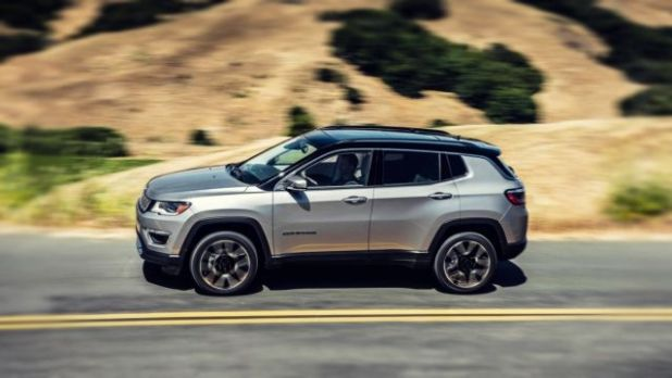 2020 Jeep Compass side