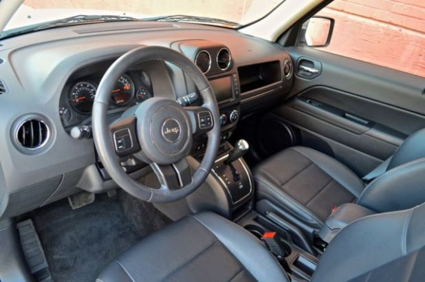 2020 Jeep Patriot interior
