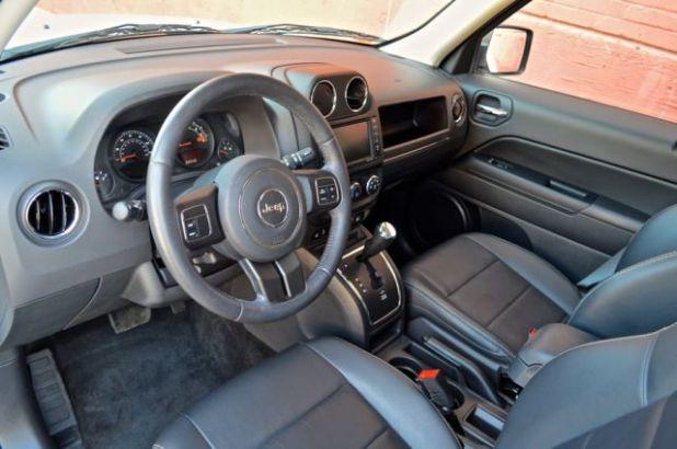 2020 Jeep Patriot interior