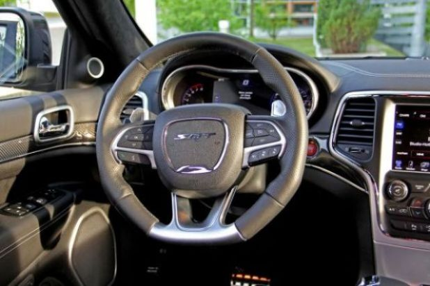 2020 Jeep Grand Cherokee SRT8 Hellcat interior