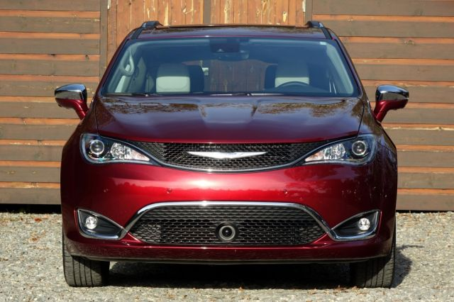 2020 Chrysler Pacifica Hybrid Specs, Redesign, Release Date and Price