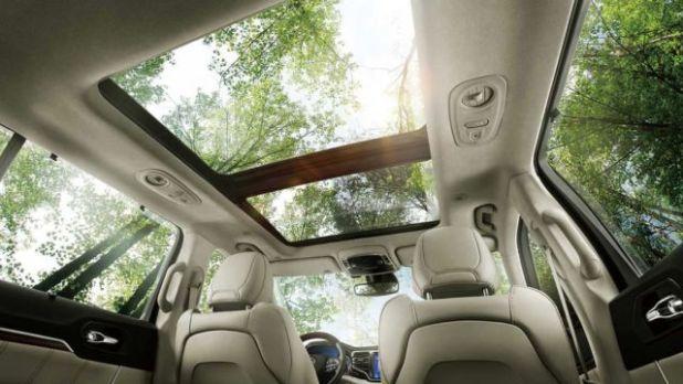 2020 Jeep Grand Commander interior
