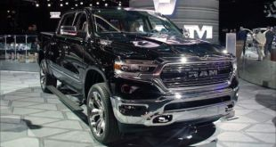 2020 Ram 1500 EcoDiesel front