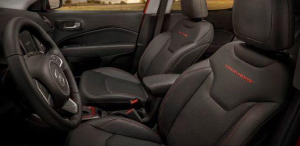 2020 Jeep Cherokee Trailhawk interior