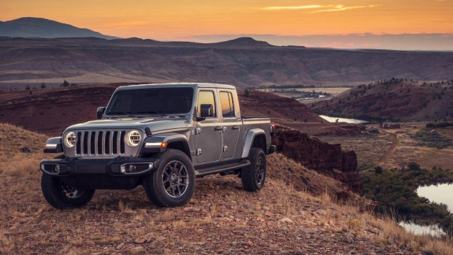 2021 jeep gladiator will get diesel powertrain  jeep trend