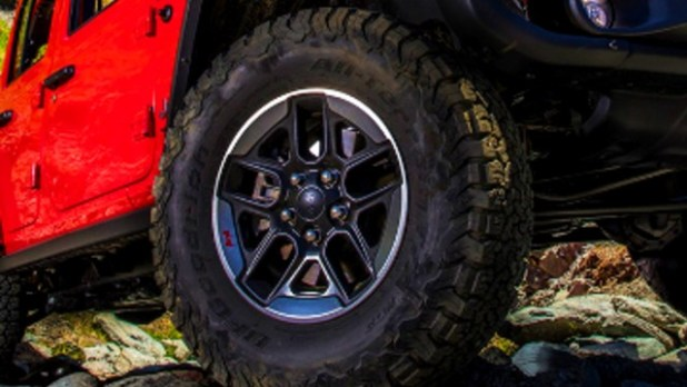 2021 Jeep Wrangler Rubicon tires