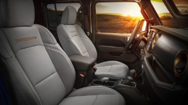 2021 Jeep Gladiator Mojave interior