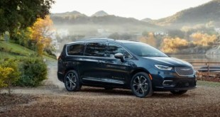 2022 Chrysler Pacifica exterior