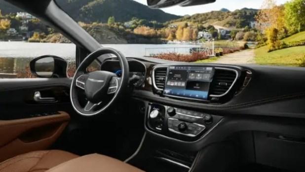 2022 Chrysler Pacifica interior
