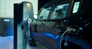 2022 Jeep Renegade PHEV charging