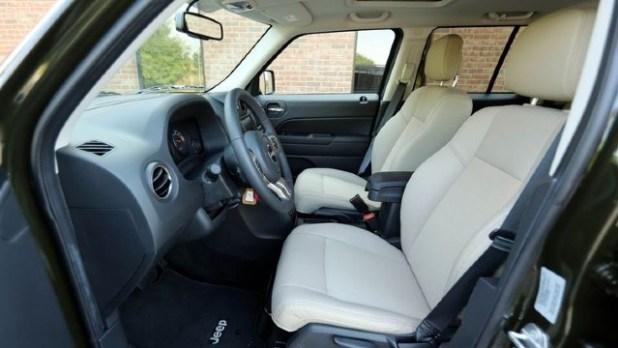 2021 Jeep Patriot interior