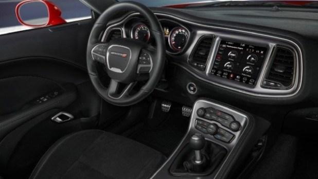 2021 Dodge Avenger interior