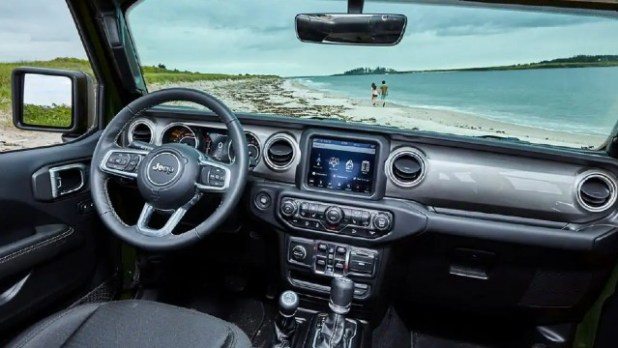 2022 Jeep Wrangler Unlimited interior
