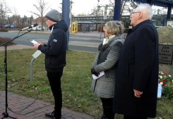 Gedenkveranstaltung zum 70. Jahrestag des Bombenangriffs auf den Salzwedeler Bahnhof