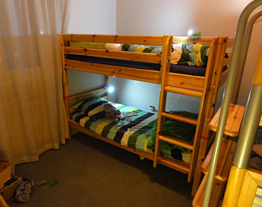 table de nuit pour lits superposes