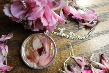 Snakeskin Carnation Garnet
