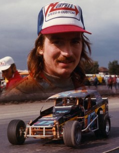 """""""The Jeffer"""" at the Syracuse Mile in his J17."""