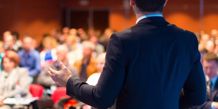 5 Tips to Improve Your Public Speaking