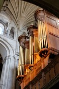 Organ case from south nave aisle.