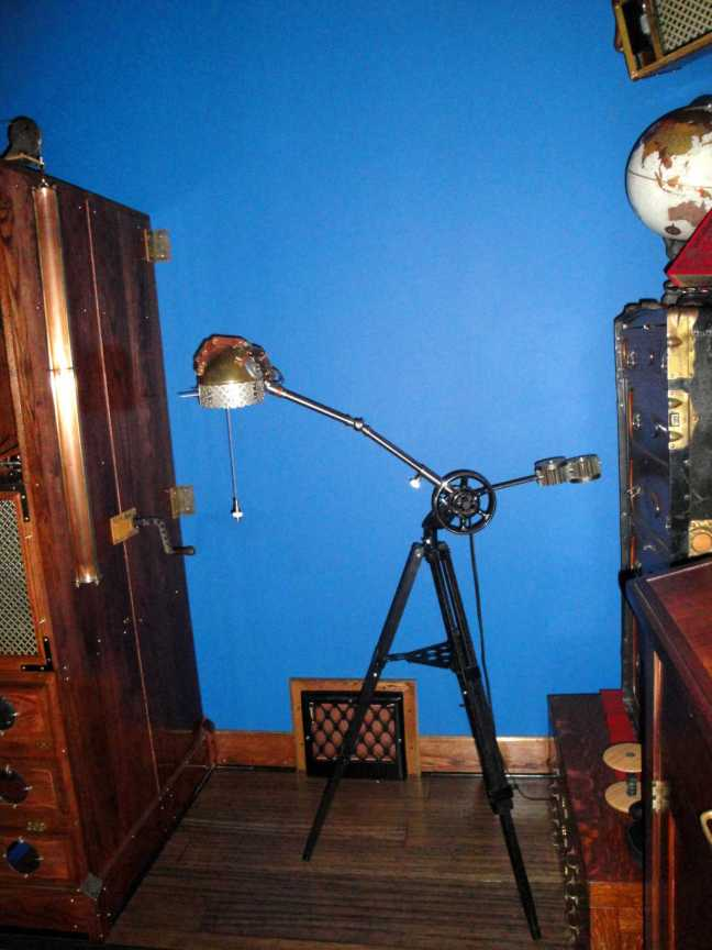 8 Steampunk Hand Lamp