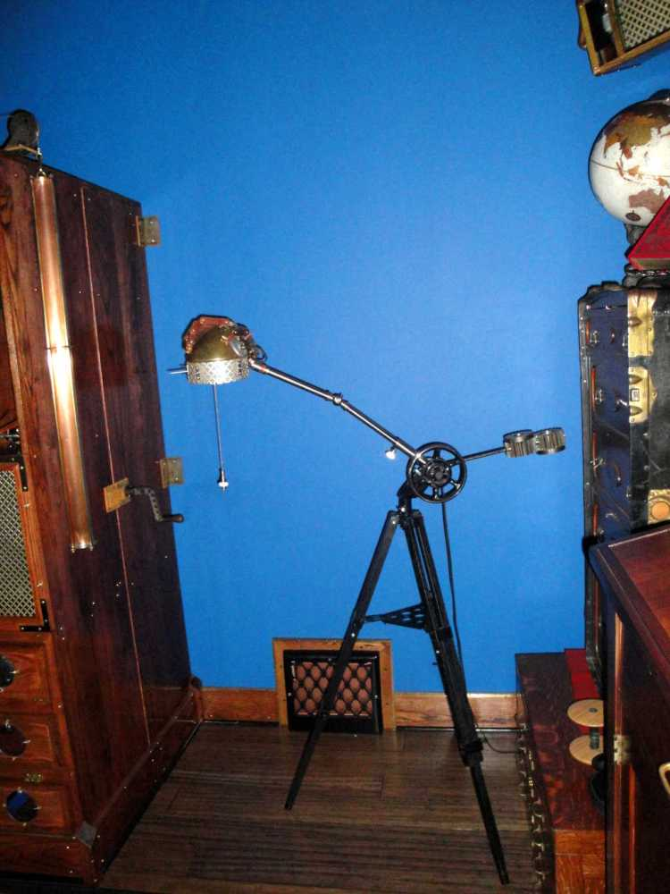 8 Steampunk Hand Lamp