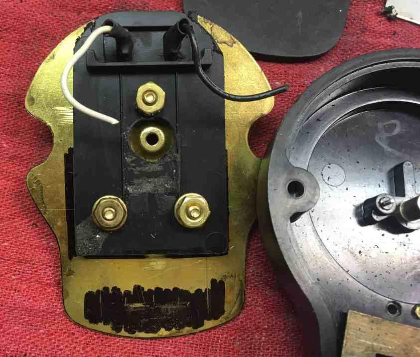 19-brass plate +plug mounted
