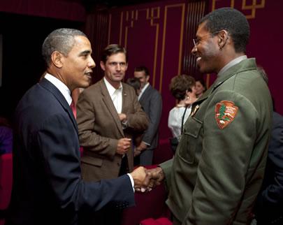 Ranger Shelton Johnson meets President Barack Obama