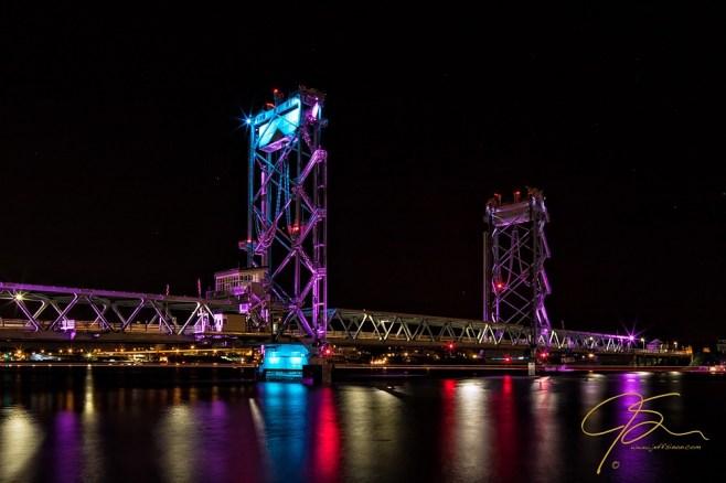 Memorial Bridge, Night.
