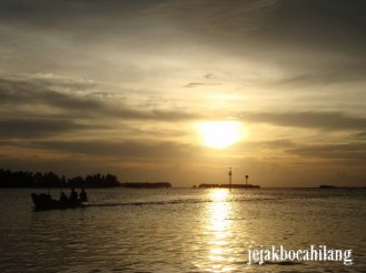 sunset hari pertama