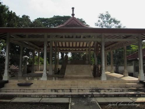 makam Mangkunegoro VIII