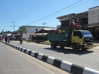 jalan utama Waetabula