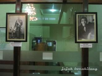 Foto MN VII dan Gusti Nurul di museum