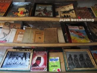 koleksi Taman Buku dan Majalah