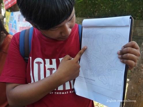 Yogi menjelaskan pemetaan pemukiman Candi Baru
